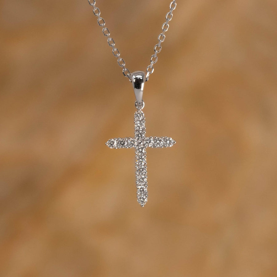 Round Brilliant Diamond Cross Pendant, 0.21 Carats