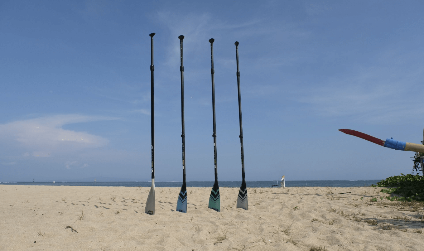 GILI SUP paddles on the beach