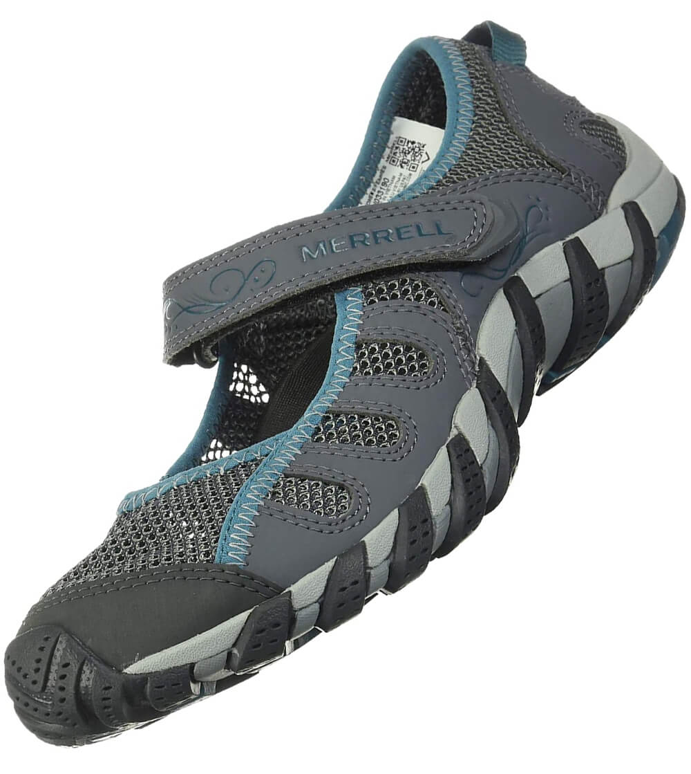 Water friendly synthetic and mesh with vibram sole