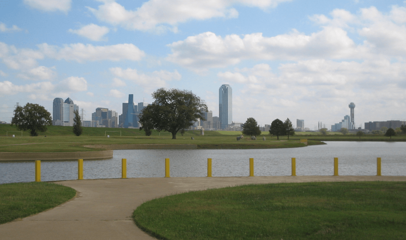 Paddle board dallas - trinity river sidewalk