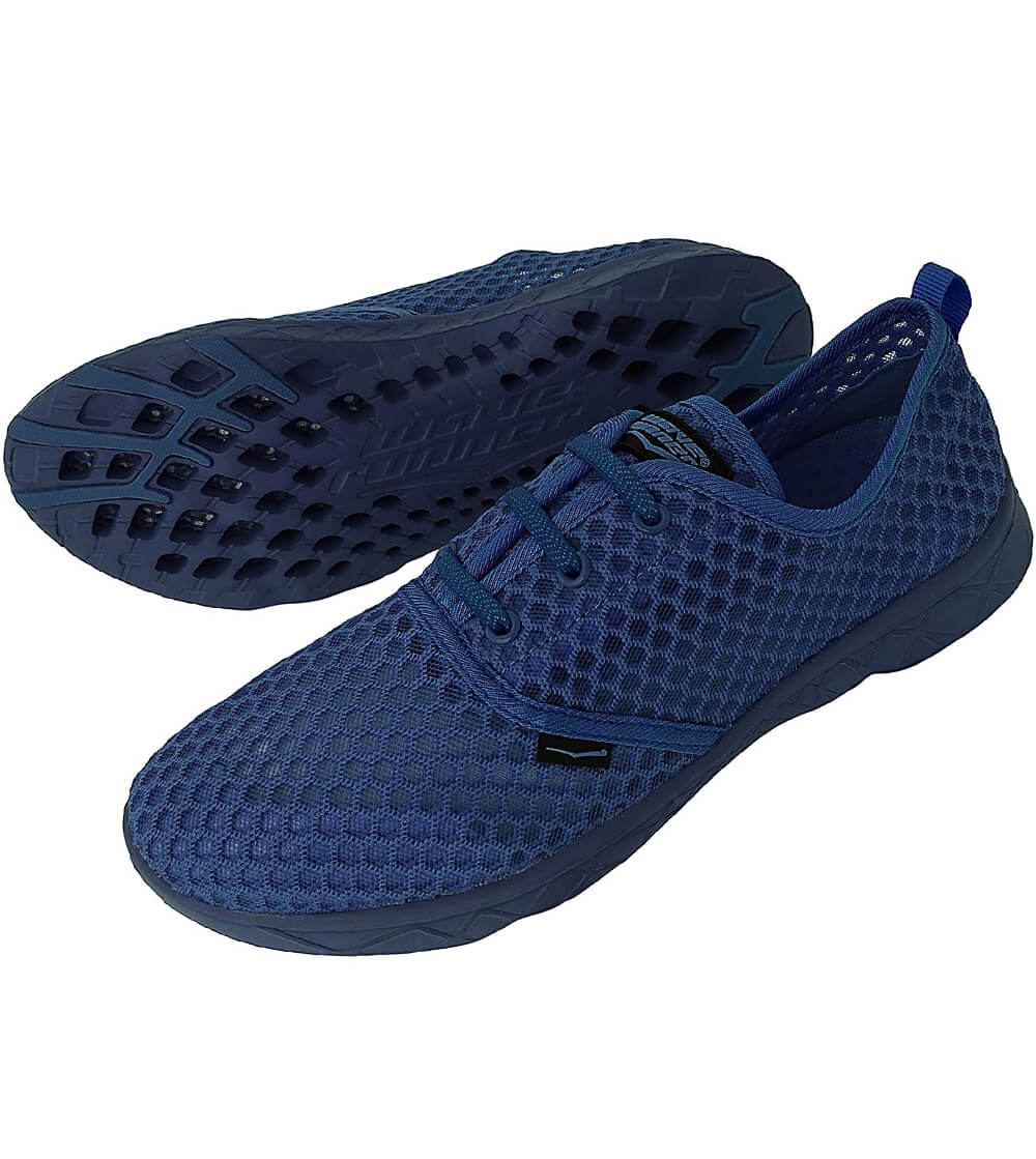 Travel aqua sneakers and quick drying performance