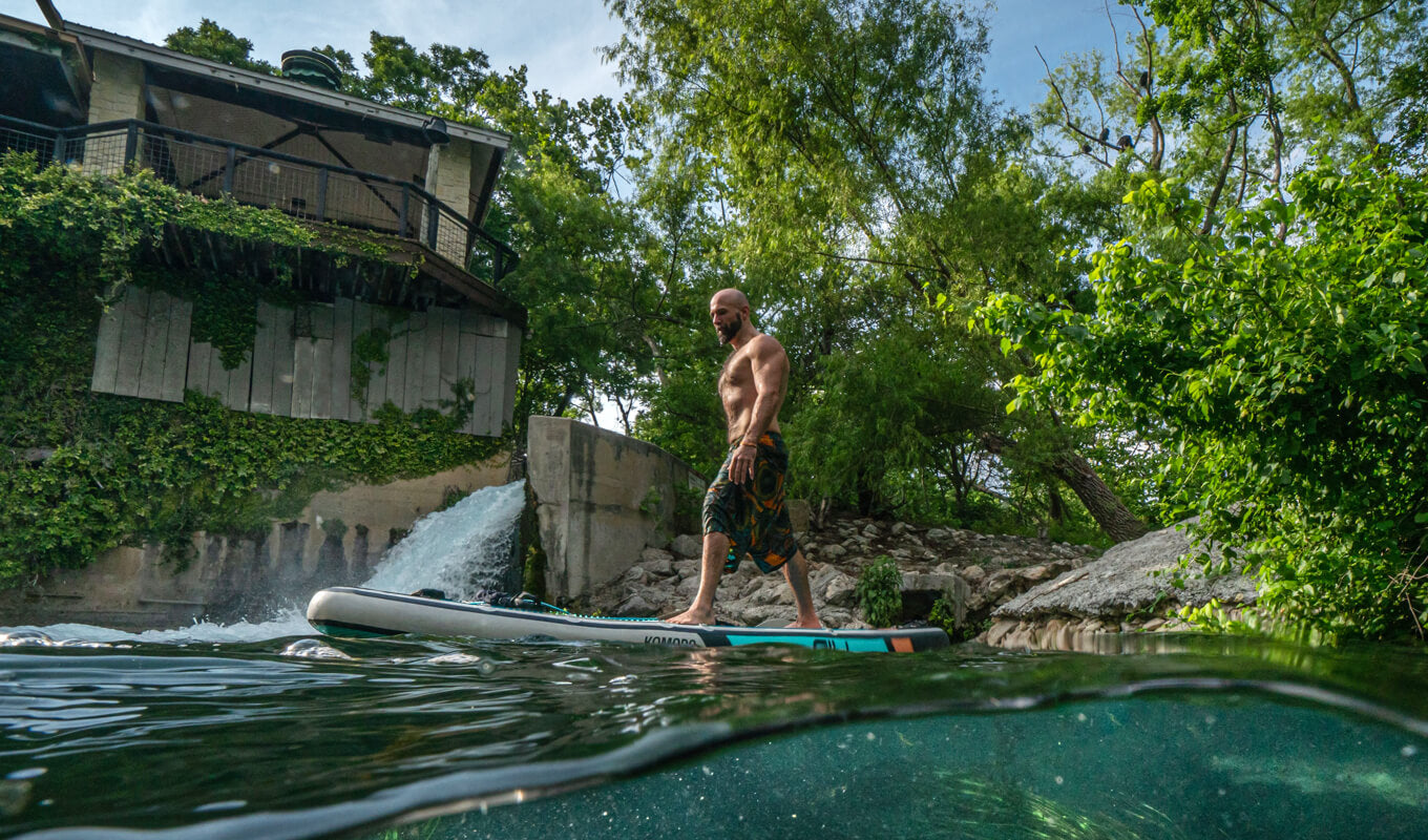 What are the health benefits of paddle boarding