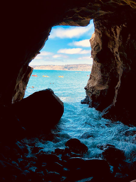 Cave in La Jolla San Diego you can Paddle Board through
