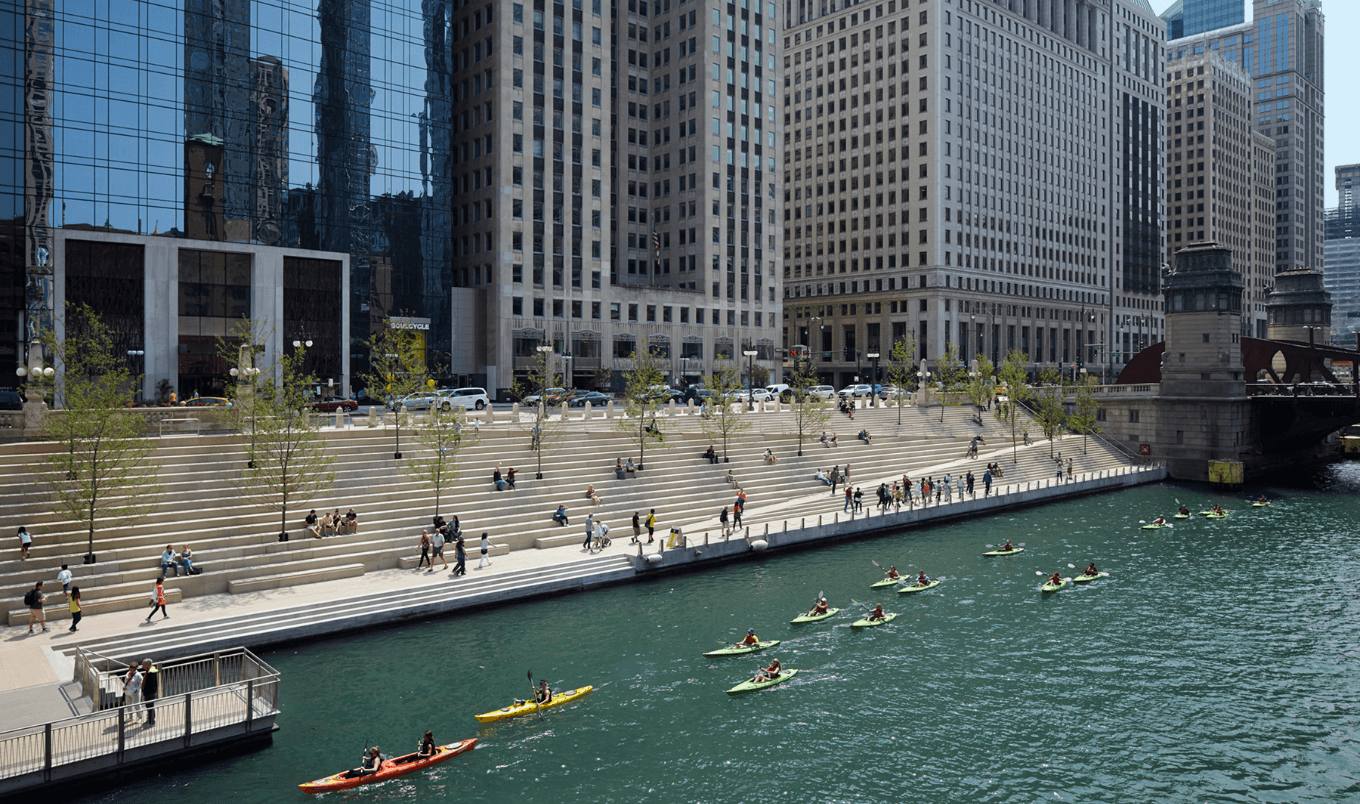 paddle board chicago - riverwalk