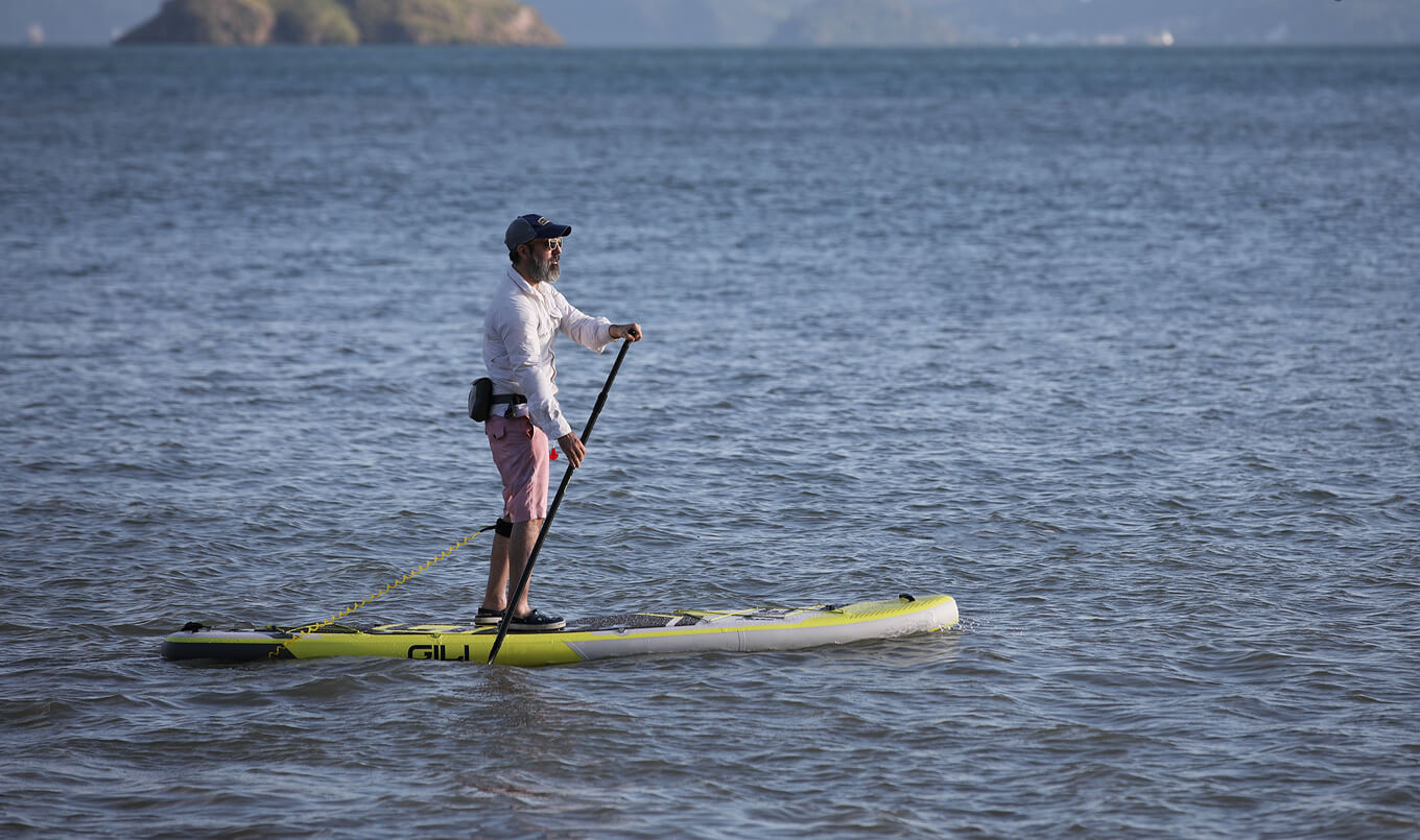 What's the difference between a paddle board and surfboard?