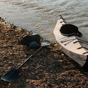 Carbon Kayak Paddle - No Huddle Life