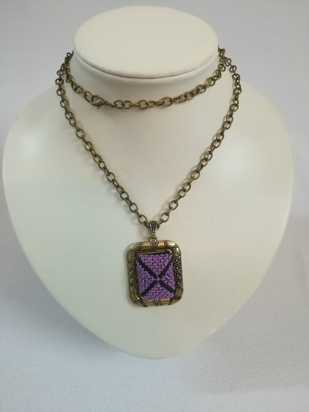 Golden color necklace with purple embroidered pendant - Falastini Brand