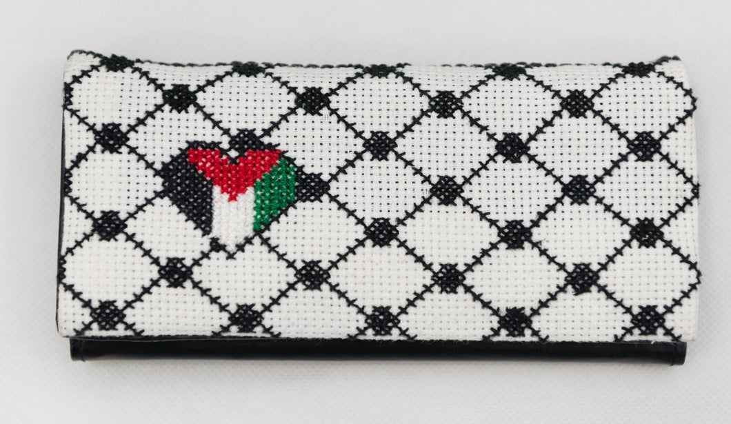 Women Kufeyyeh embroidered purse - Falastini Brand