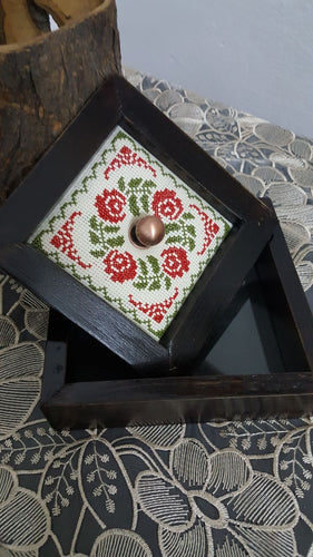 Wooden box with embroidered cover 19*19cm - Falastini Brand