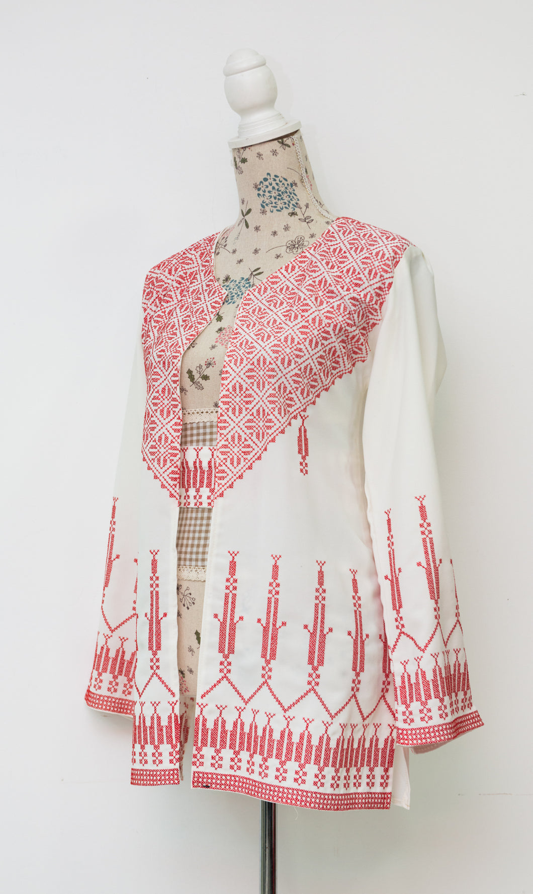 White jacket with red embroidery and belt - Falastini Brand