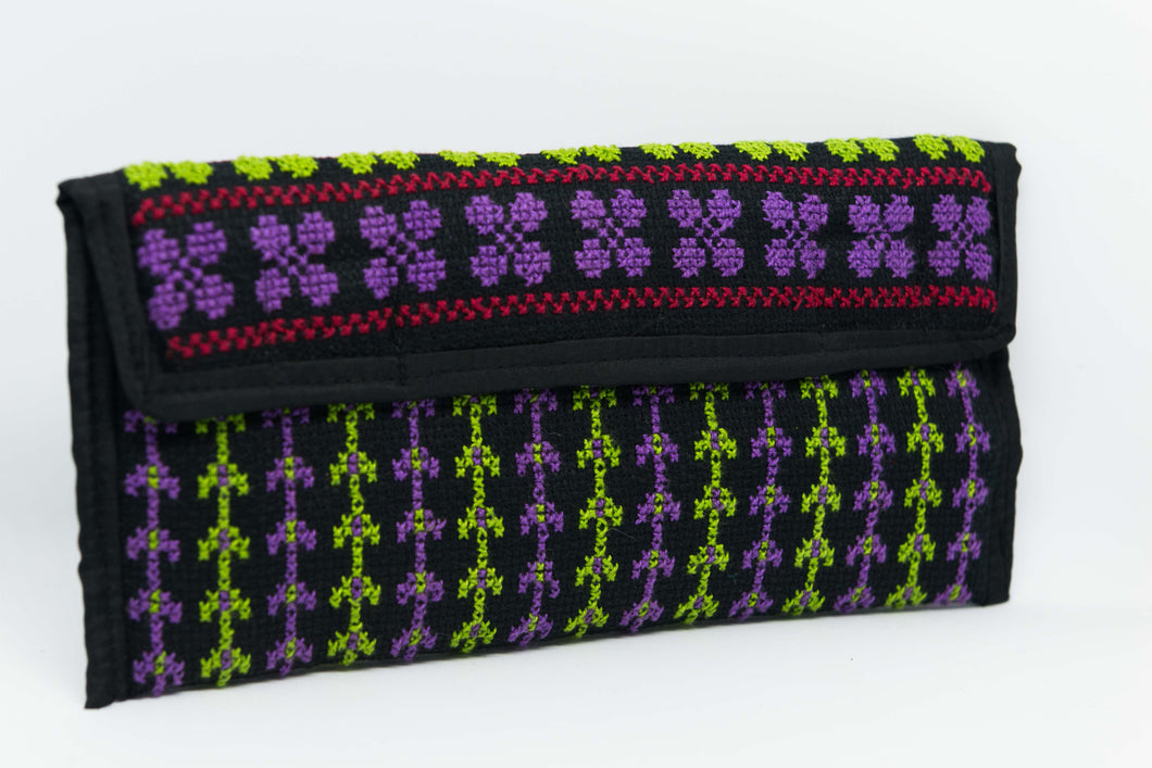 Small embroidered wallet for mobile and daily use