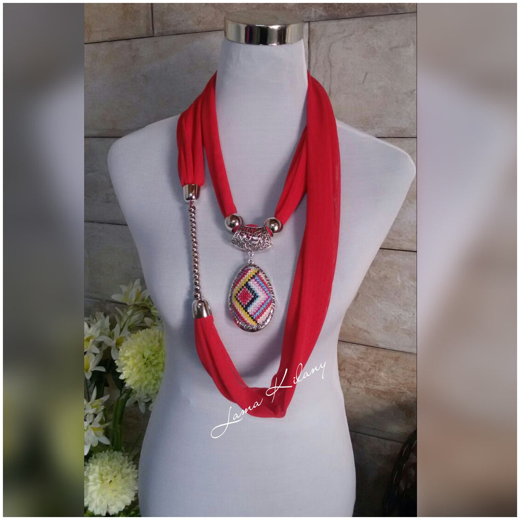 Red scarf with embroidered pendant - Falastini Brand