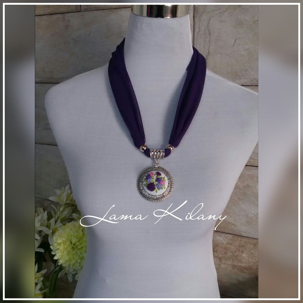 Purple scarf with embroidered pendant - Falastini Brand