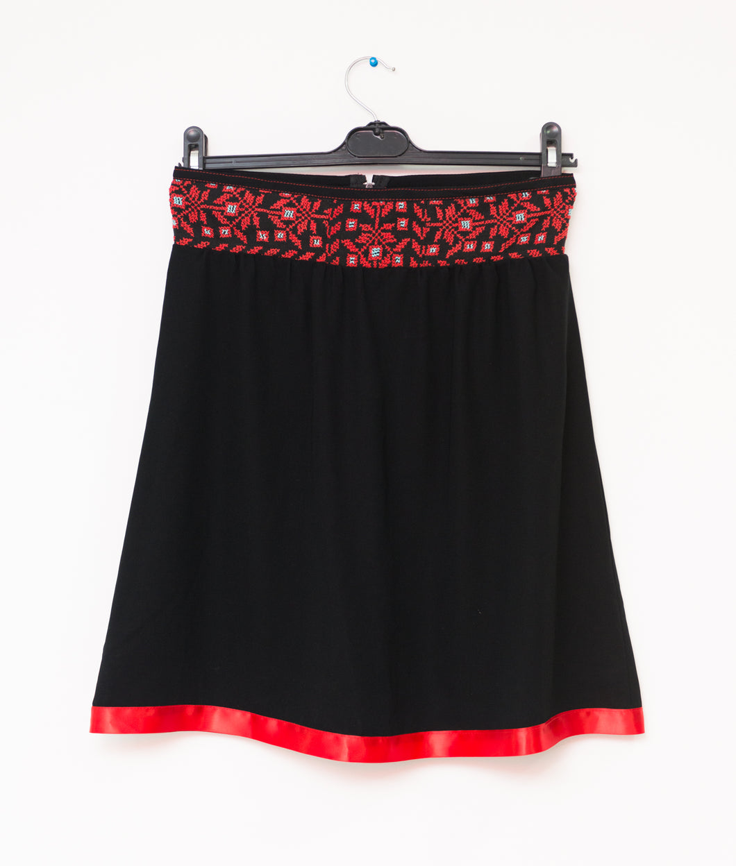 Black short skirt with hand embroidered waist - Falastini Brand