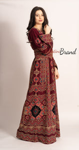 Elegant Burgundy Palestinian Embroidered Henna Thobe Dress Inlaid With Rhinestones