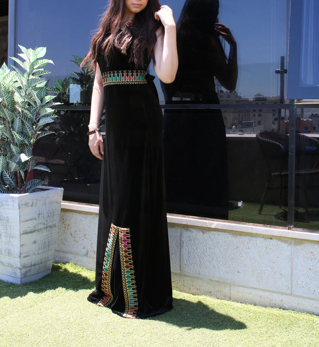 Black long sleeveless embroidered velvet dress with stylish embroidery - Falastini Brand