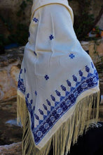 White shawl with blue embroidery - Falastini Brand