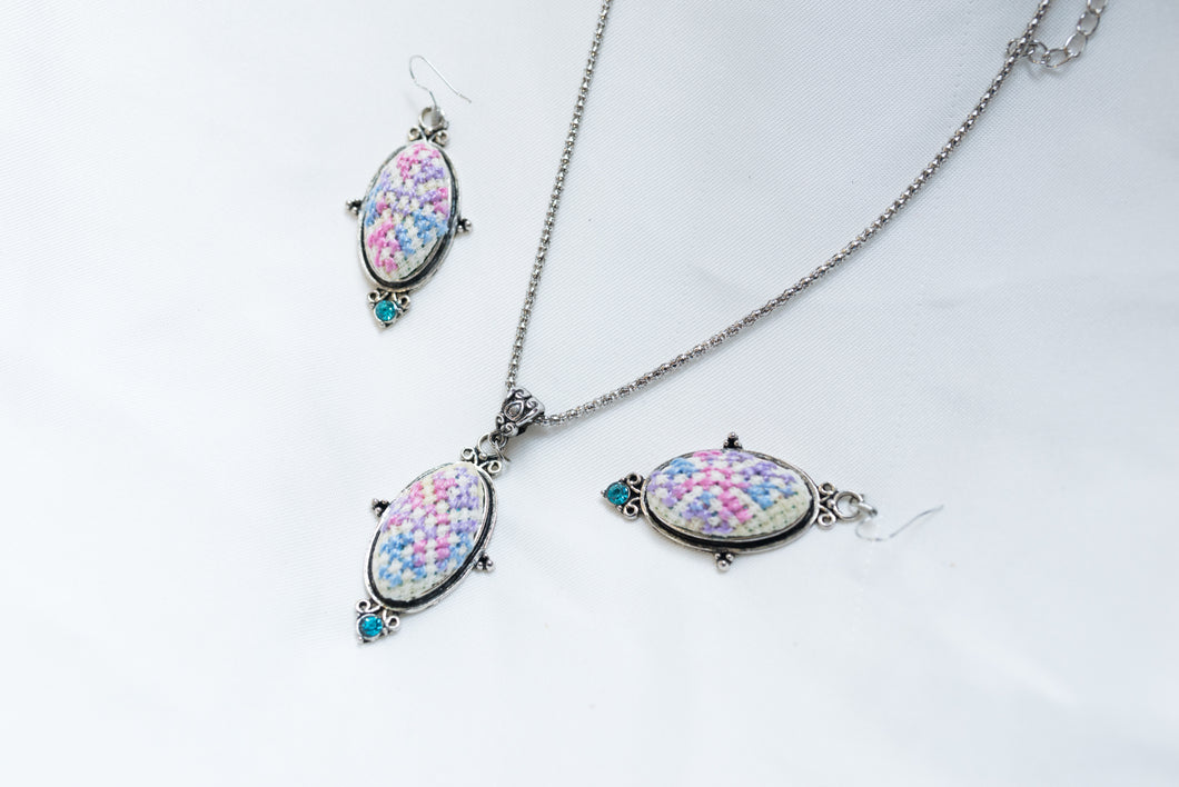 Embroidered necklace and earring jewelery set - Falastini Brand