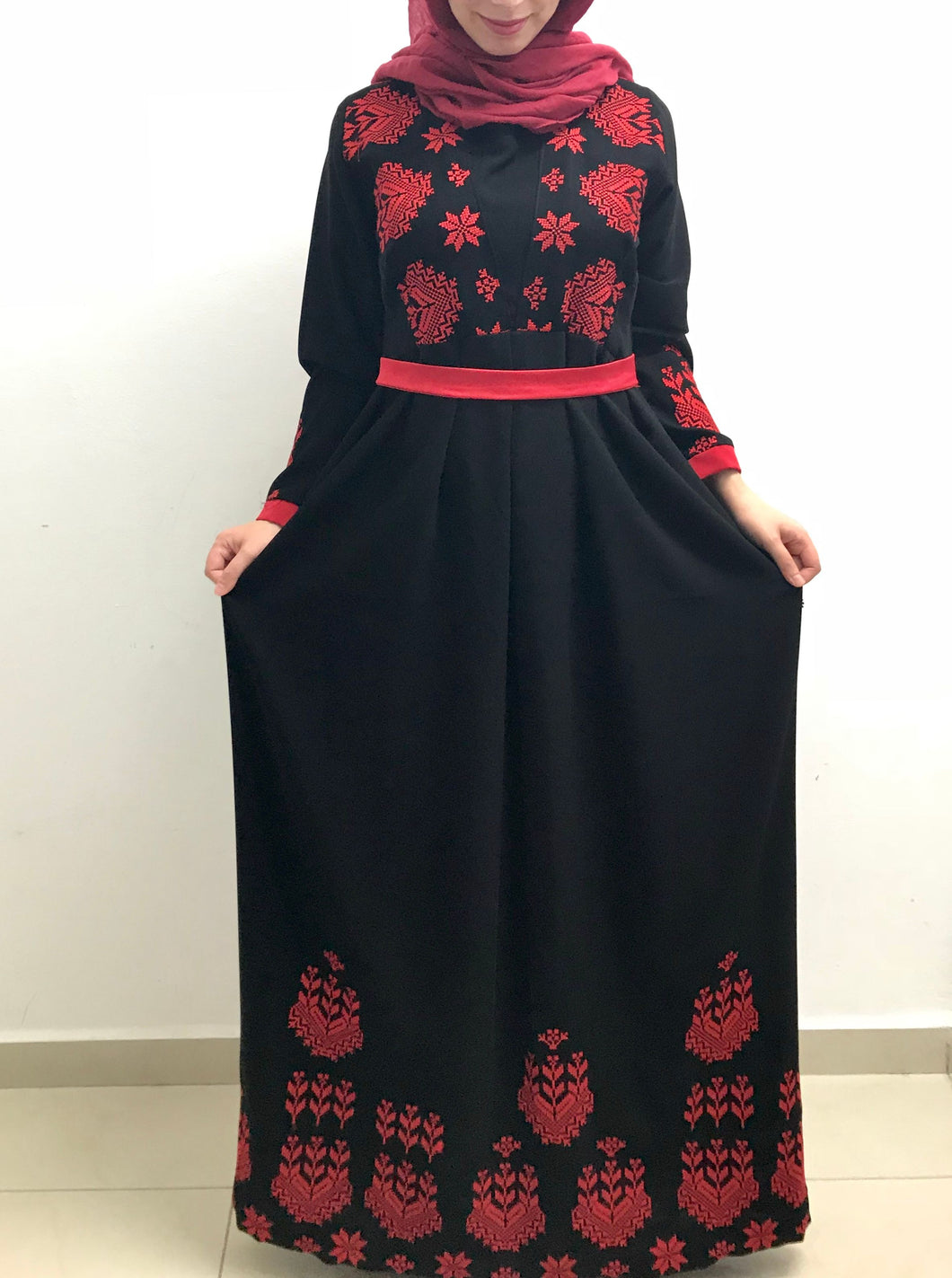 Black embroidered dress with stylish red embroidery - Falastini Brand