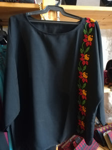 Black blouse with flowers embroidery - Falastini Brand
