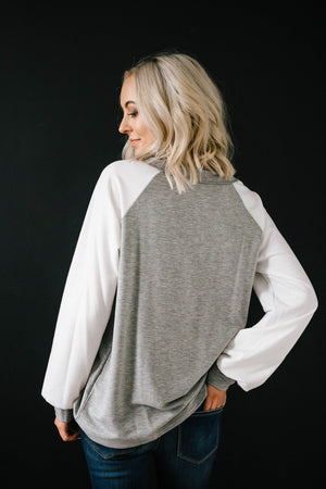Good Vibes Top in Gray
