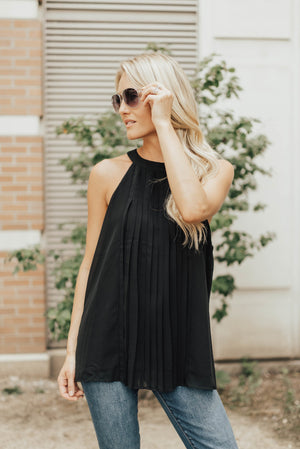 Pleated Halter In Black