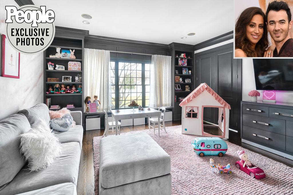 People Magazine Photo of Kevin Jonas playroom deisgned by Vanessa Antonelli