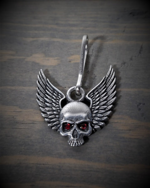 "Zipper Pull - Skull With Wings (Red Diamond Eyes) (1.25"" x 1.25"")"