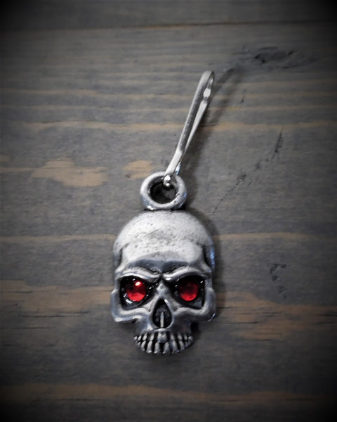 "Zipper Pull - Skull (Red Diamond Eyes) (.75"" x 1"")"