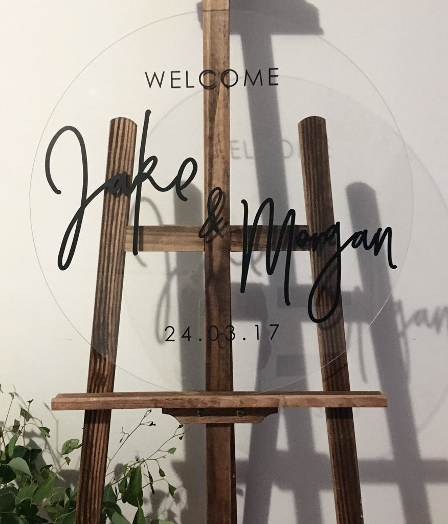 ROUND ACRYLIC WELCOME SIGN