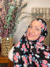 Limited Edition Printed Jersey Hijab: Nostalgic English Roses