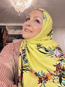 Limited Edition Printed Jersey Hijab: Italian Lilly & Lilac Bouquet