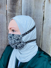 Hijabi Friendly Face Mask - Black & White Abstract