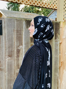 Limited Edition Printed Jersey Hijab: Faded Roses (Extra Large)