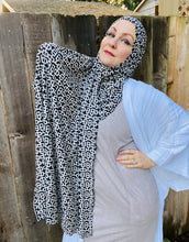 Limited Edition Printed Jersey Hijab: Chain Link