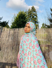 Limited Edition Printed Jersey Hijab: Minty Roses