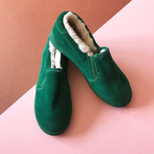 AKID Liv Green Fluffy Unworn Slip-ons EU 34, US 3Y, UK 2