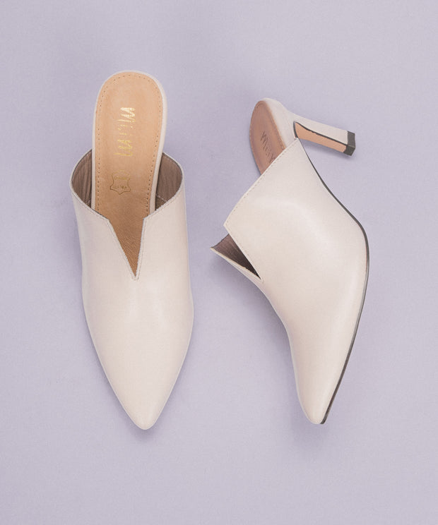Anita white Pointed Kitten Heel