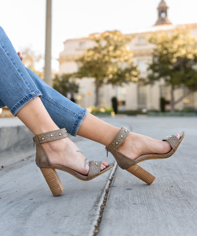 The Avenue | D'Orsay Low Heel