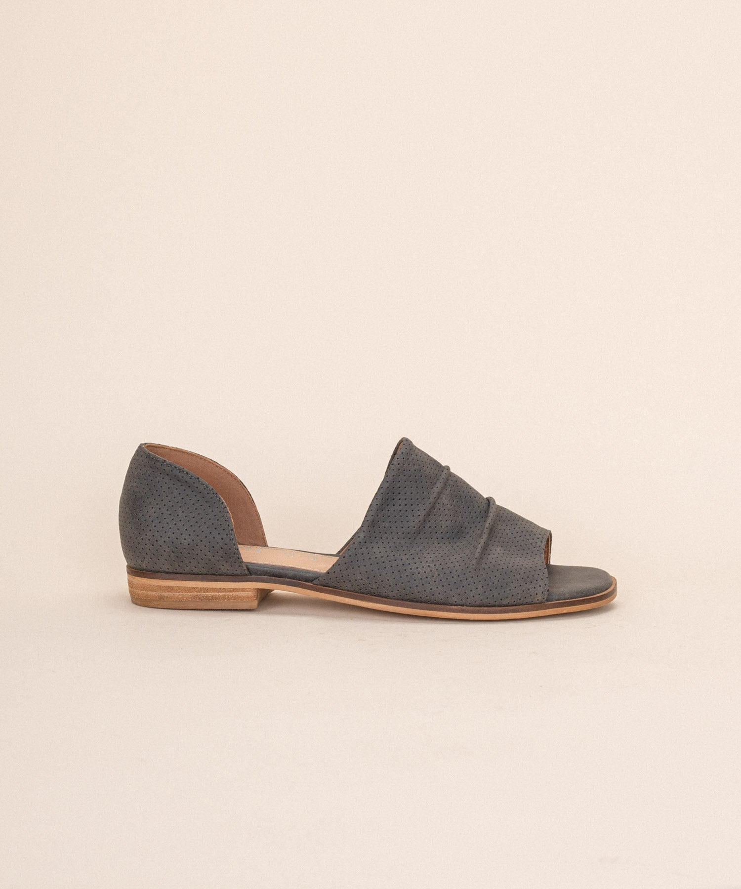 Breeze charcoal Perforated Slip On