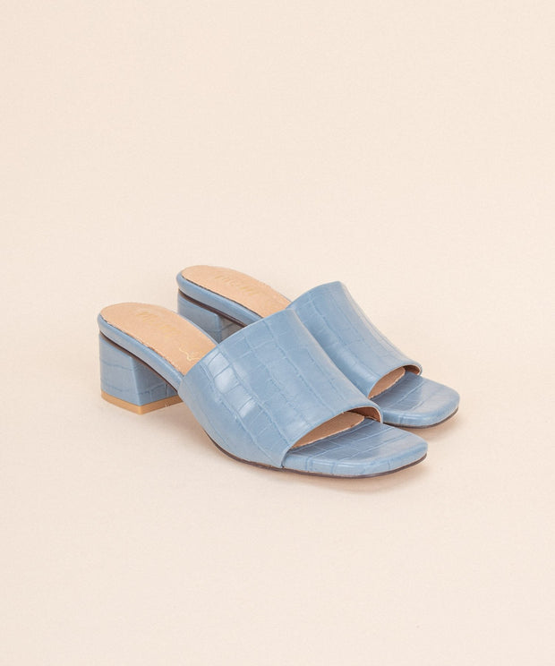 Candice blue Alligator Block Sandal