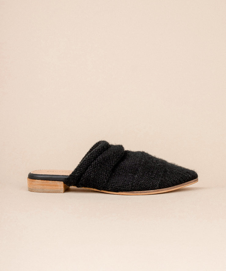 Fali black Sweater Knitted Mules