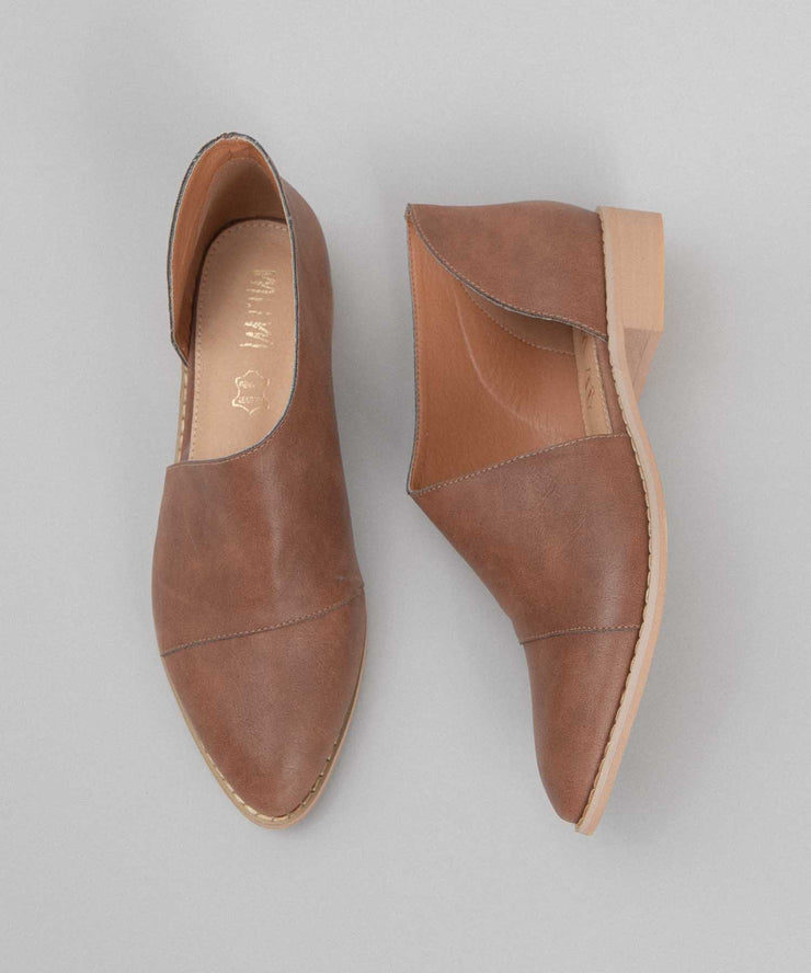 Freya brown Asymmetric Pointed-Toe Flat