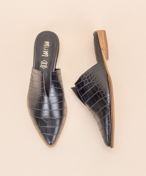 Jaden black Crocodile V-Cut Mule