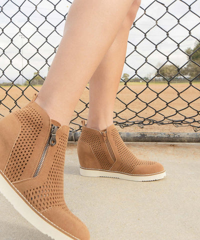 Lamber | Perforated Sneaker Wedge - Camel