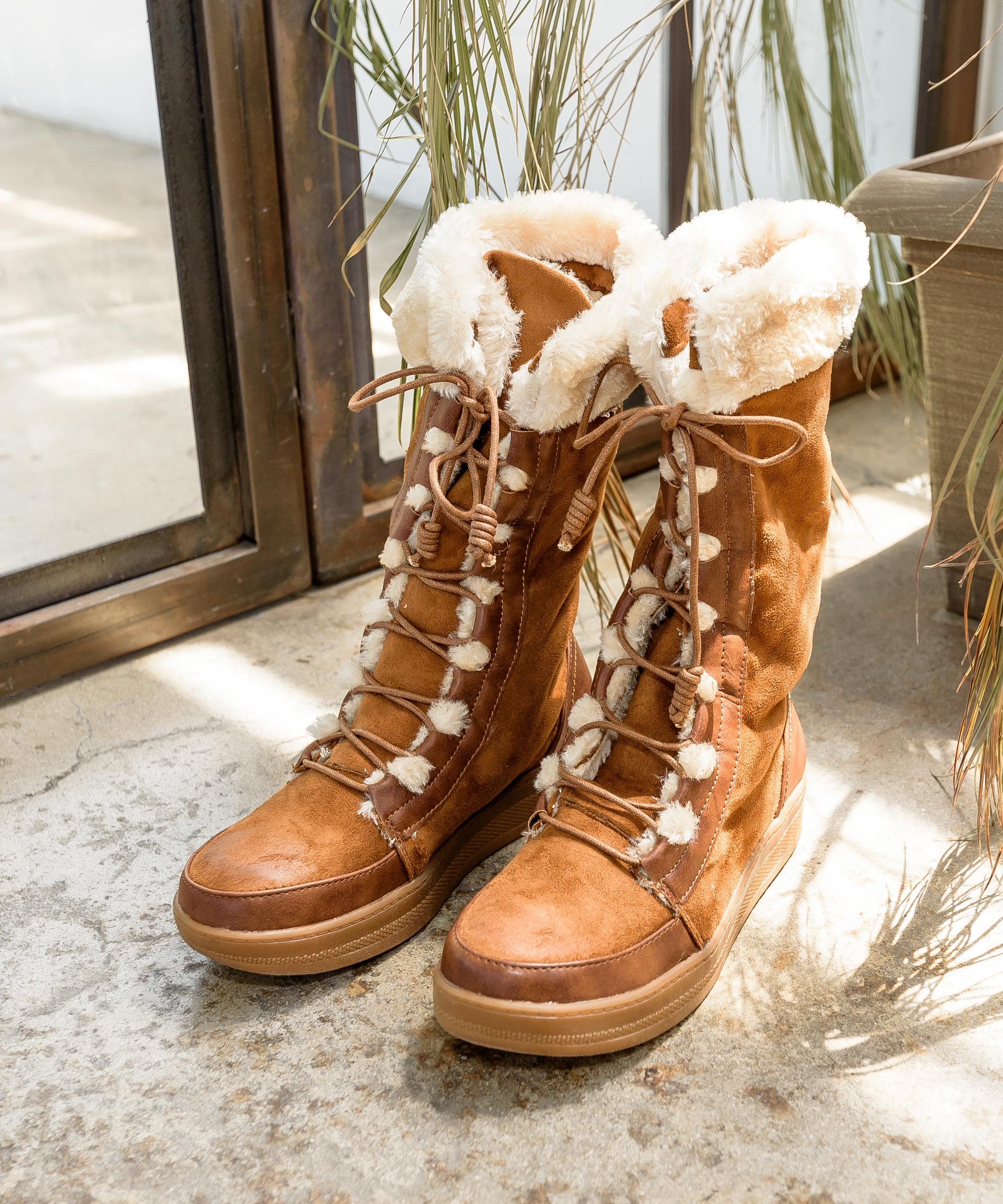 Marshmallow 02 camel Lace-Up Fur Trimmed Après-Ski Boot