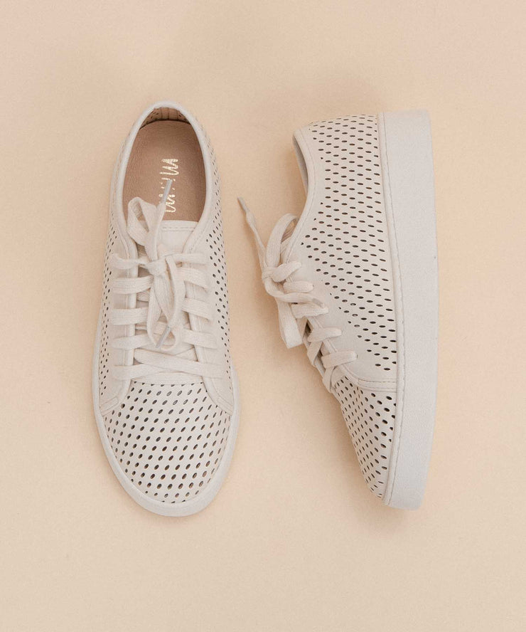 Milo beige Perforated Sneaker