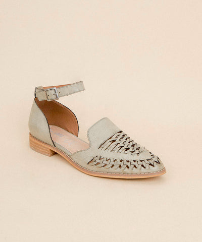 The Elina | Dutch-Inspired Spring Mule