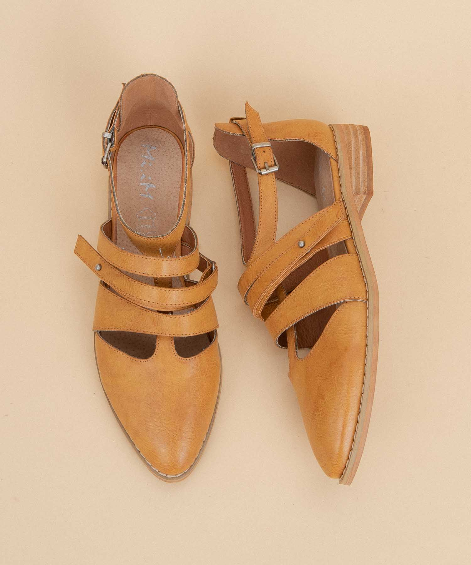 Vintage toffee Distressed Strappy Buckle Sandals