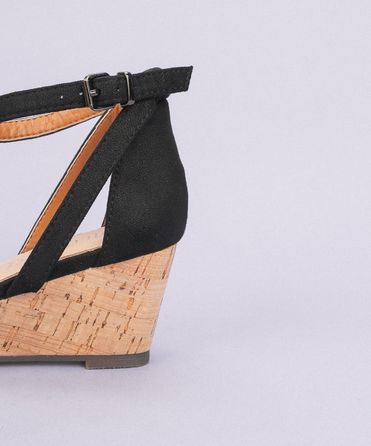 Yuri Black | Strappy Wedge Sandal